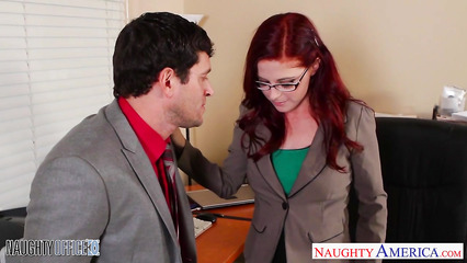 Рыжая секретарша вынуждена стать любовницей своему шефу