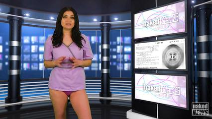 Смелые девушки ведут выпуски новостей в обнаженном виде