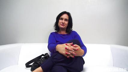 Полнотелая баба пришла на кастинг за обычным сексом